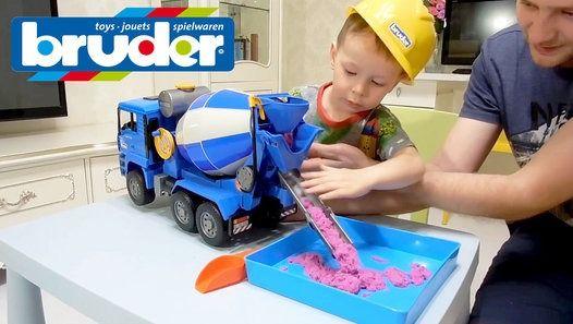 Огромная бетономешалка BRUDER _ Клим строитель _ Entertainment for children