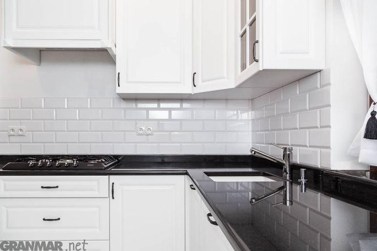 Czarno-biała kuchnia z blatem granitowym #Nero #Assoluto