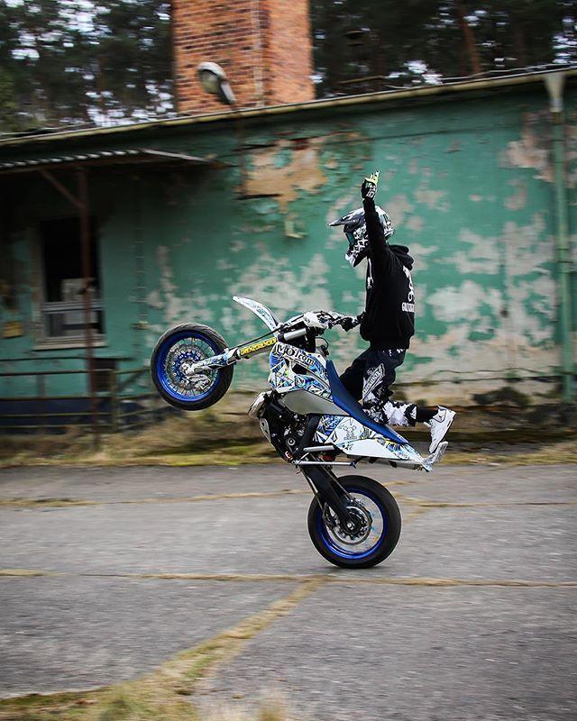 Grenzgaenger Wheelie Wheelies Ride Supermoto Stunt Motorcycle Motorbike Bike Onewheel Wheel Passion Fun Supermoto Dirtbikes Enduro Motocross