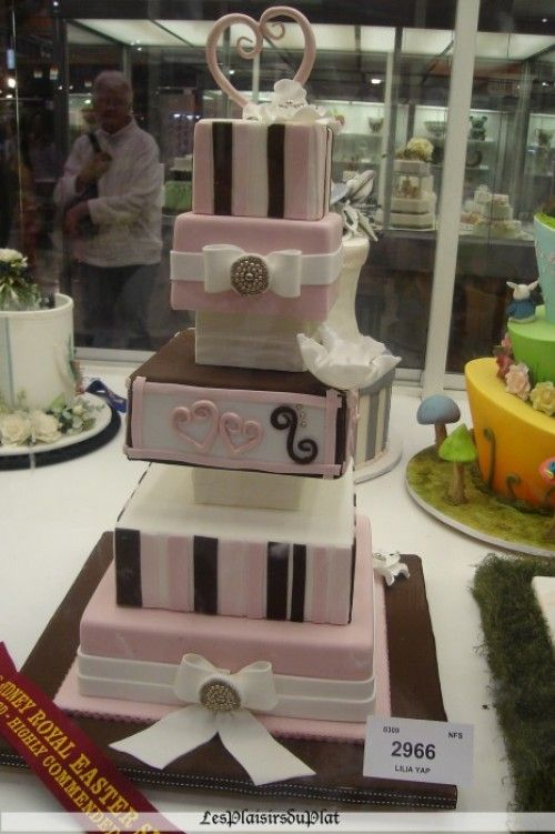 Welcome spring Wedding cakes!
