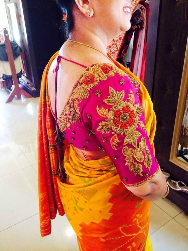 Mom of d groom saree