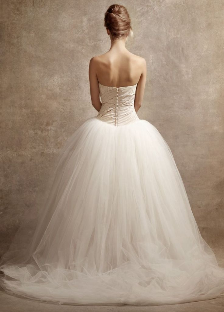 Vera wang wedding dress wedding dresses pinterest for Vera wang princess ball gown wedding dress