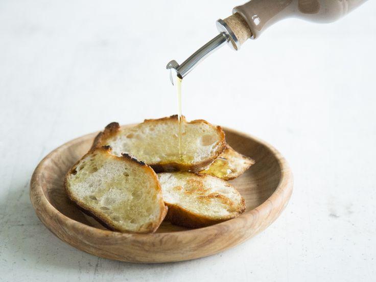 """Avocadoöl ist ein Allrounder für deine Küche. Zum Braten, als Dressing oder Dip: Wie du das """"Öl für alle Fälle"""" am Besten verwendest erfährst du hier."""
