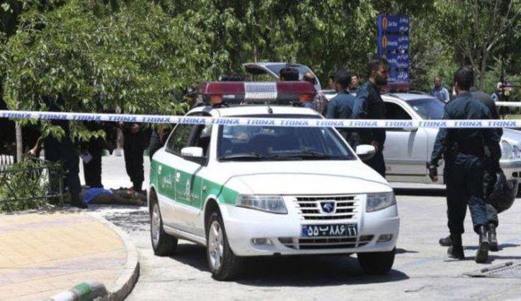 قناة الکوثر الفضائیة استشهاد شرطي ايراني وإصابة ثلاثة آخرين باشتباكات خلال التظاهرات في نجف آباد: ايران _ الكوثر: استشهد شرطي ايراني وأصيب…