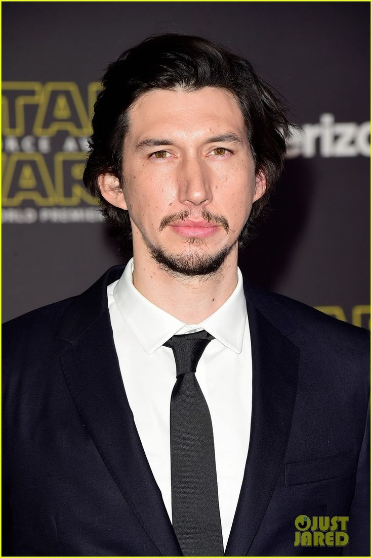 Adam Driver at the red carpet at theStar Wars: The Force Awakens premiereon Monday (December 14, 2015) in Hollywood. Source justjared.com