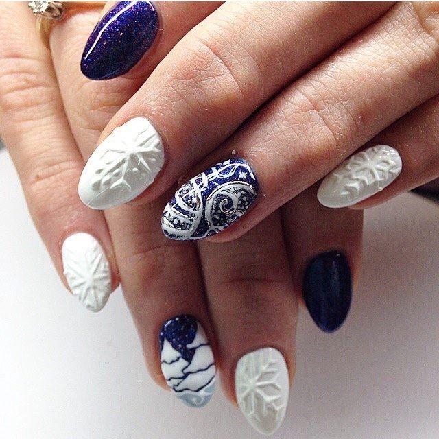 By Ania Leśniewska - Indigo Nails Lab -  Find more Inspiration at www.indigo-nails.com #Nail #Christmas #Mani