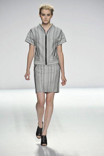 Narciso Rodriguez at New York Fashion Week Spring 2009 - Runway Photos