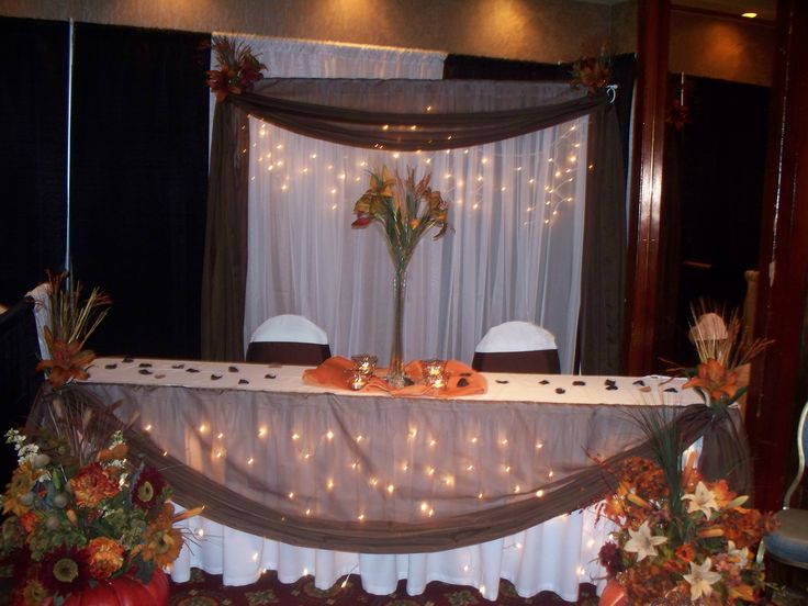 Down The Aisle Head Table Or Sweetheart Table: 25+ Best Ideas About Wedding Head Tables On Pinterest