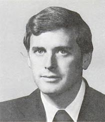 Dan Quayle -- Paternal 10th cousin 2x removed, through John Alden and Priscilla Mullins.