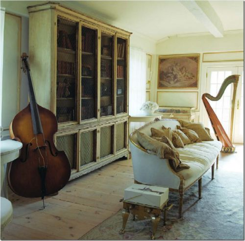 .Libraries Room, Music Instruments, Living Room, Cote De Texas, Lounges Room, Cellos, Music Rooms, French Antiques, Country Interiors