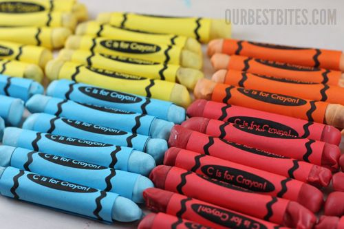 Edible Crayons  So cute for back to school, teacher gift or classroom treat! Maybe I'll make these for 100th Day of School celebration!