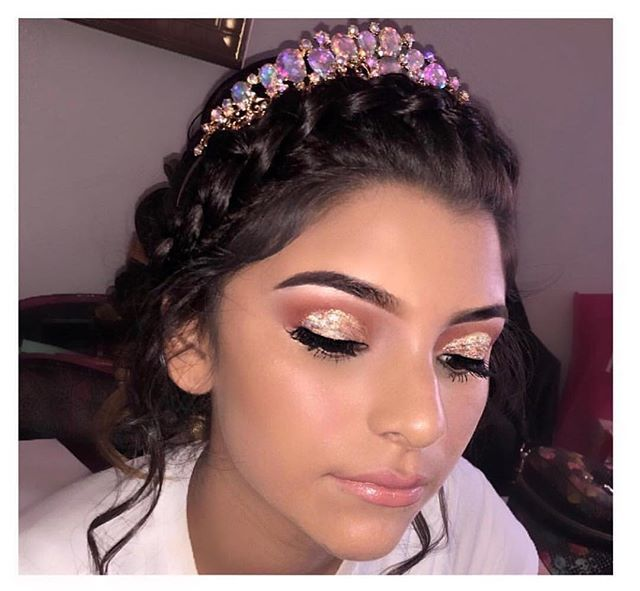 makeupmonday check out this princess slaying for her Quince