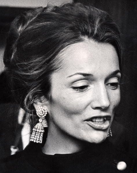Lee Radziwill- prettier than jKO and can we say earring love?!?!