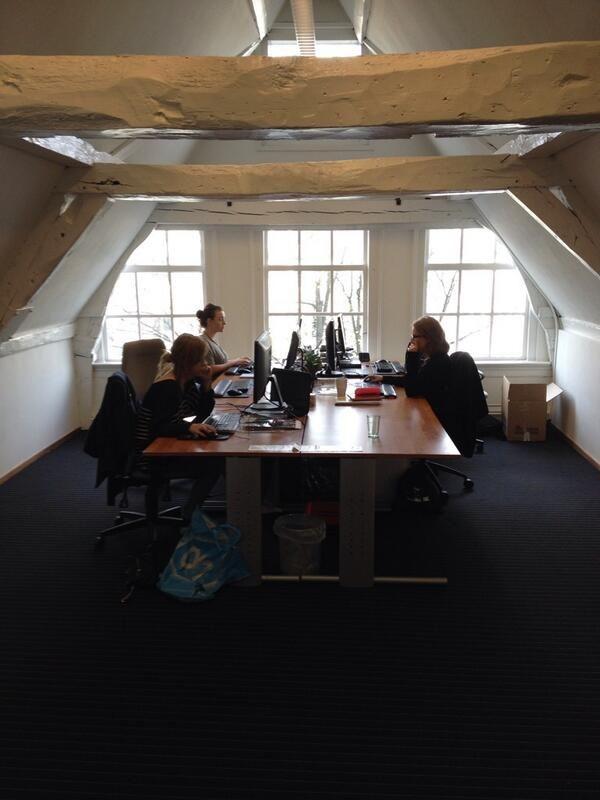 Kantoor van Stijn in Social Media werkplek van de week (15) http://www.kantoorruimtevinden.nl/blog/social-media-werkplek-van-de-week-15/