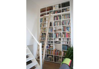 Vuijst ontwerpt | meubels | boekenwand split level woning