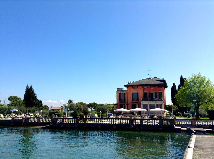 Villa Pioppi in Sirmione am Gardasee - Eine kinderfreundliche Villa mit kubanischem Ambiente direkt am Gardasee. Ein Eltern- und Kinderparadies.