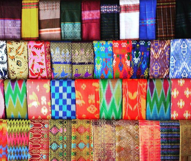 The colors of Sade Village in Lombok Indonesia. Beautiful fabrics with traditional motifs showcase the Sade ethnic island people of Lombok who weave them by hand and old world machines.  When you visit Lombok don't forget to pay a visit to the Sasak Village Sade in the south of Lombok. The overall experience is not to be missed here. . . . . . #wonderfulindonesia #lombok  #tripofwonders #travel #indonesia . . .