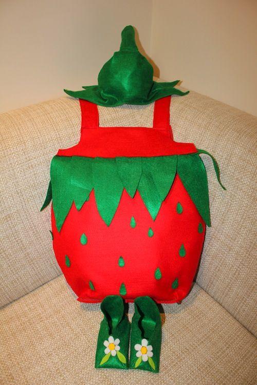 Il costume da fragola di Donatella