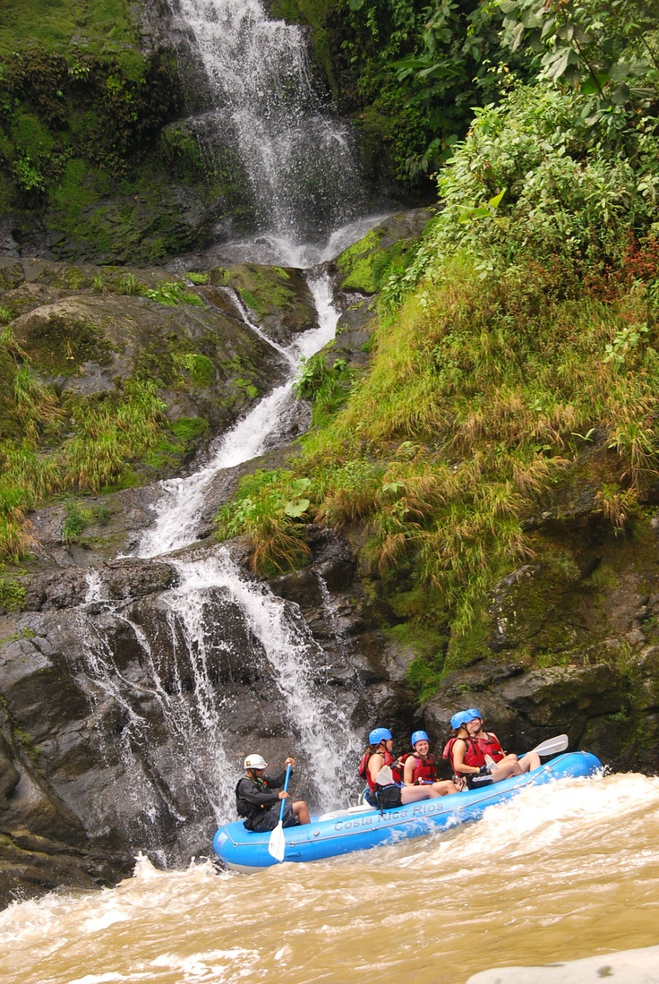 Adventure Honeymoon Ideas: Whitewater Rafting down the Pacuare River, Costa Rica #travel