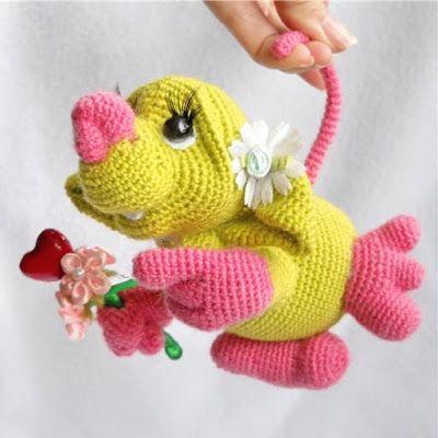 Влюбленная мышь амигуруми крючком