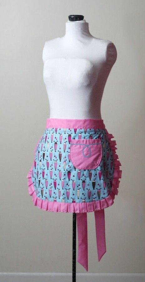 How to make a half apron. Free PDF download and tutorial.