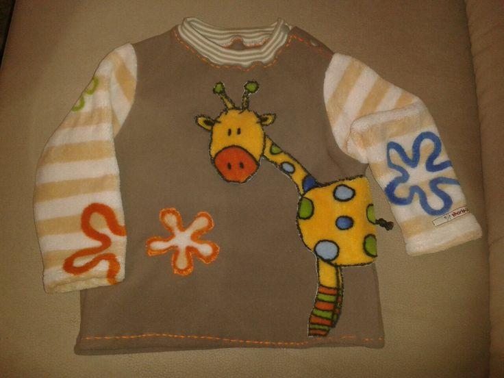 kinderpullover in größe 86 aus fleece mit Ärmeln und einer