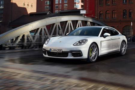 Ini Dia Dua Andalan Terbaru Dari Porsche - http://bintangotomotif.com/ini-dia-dua-andalan-terbaru-dari-porsche/