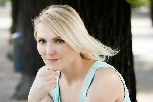 Eva Oskardottir / Actress