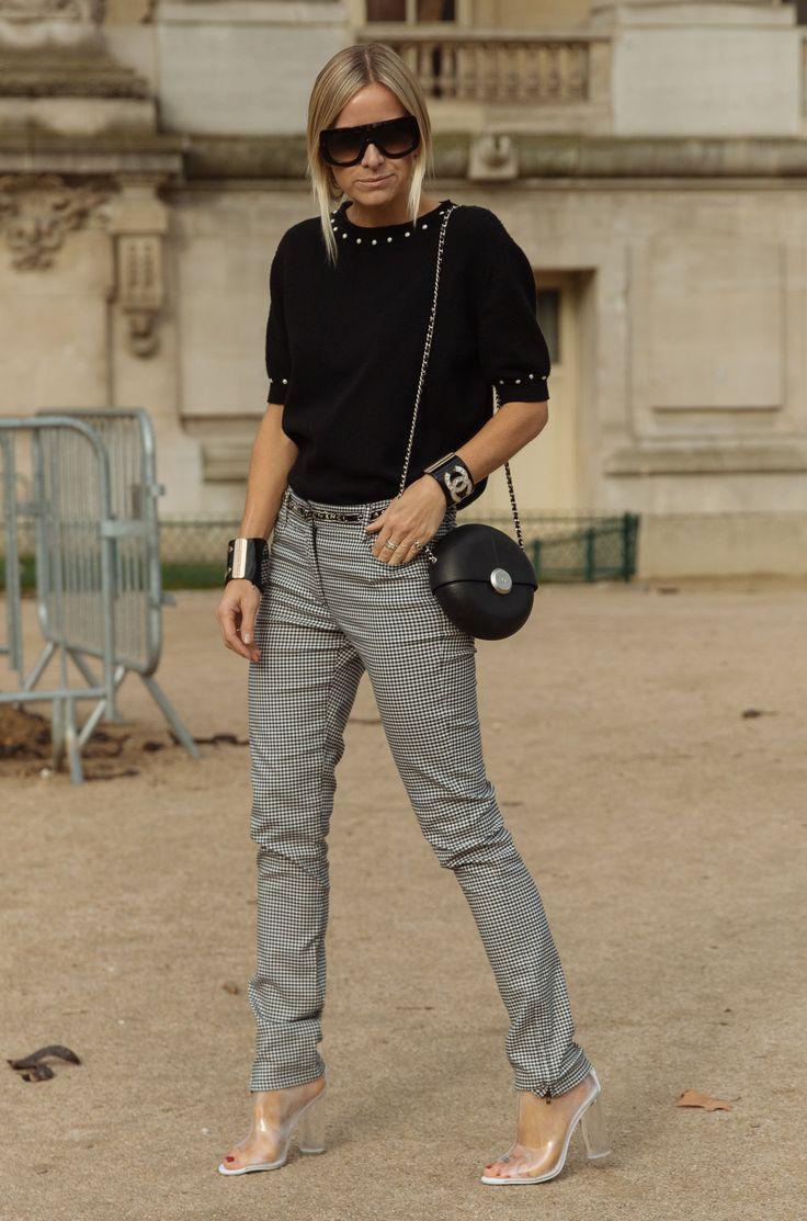 @Lightaholic #parisfashionweek  #fashionshow #fashion #baneasashoppingtrends #baneasashoppingcity