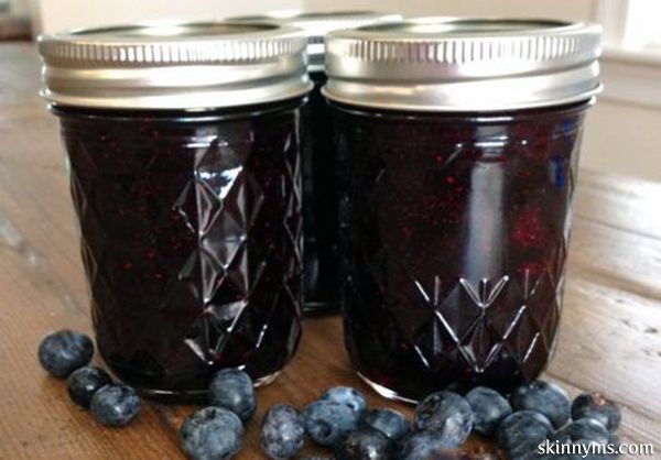 "Homemade Blueberry Jam - This ""no sugar added"" recipe is super easy to prepare and no canning involved! #recipes"