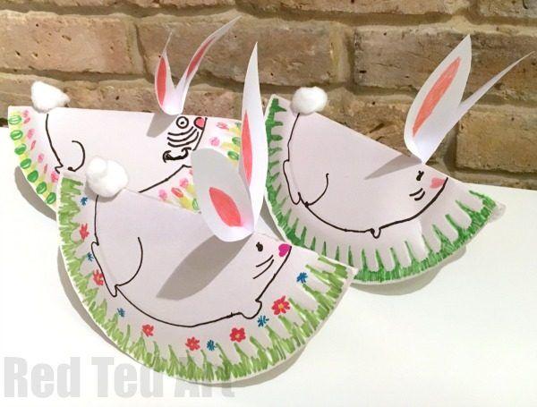 Facile Carta Rocking Piatto conigli - un super duper carino carta del mestiere Piastra prescolare questa Pasqua o di primavera.  Fare questi coniglietti dondolo facile e oh così carino !!  I miei bambini hanno avuto un bel tempo che li rende!  L'amore l'artigianato coniglietto di Pasqua e primavera!