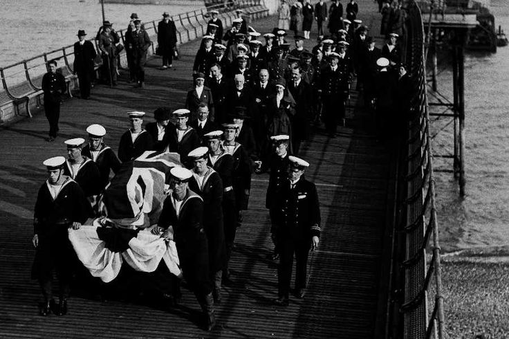 The coffin of nurse Edith Cavell landing in Dover for a reburial in Norwich Cathedral
