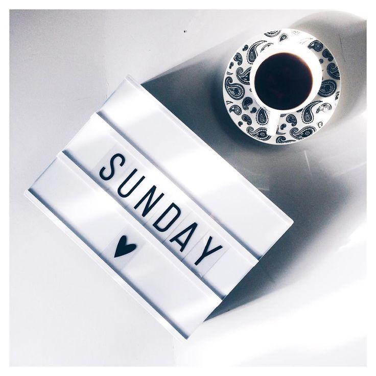 """""""Chilly Sunday's are made for lots of tea. love my new light box! #littlelovelylightbox @thelittlehouseshop #vsco #vscocam #instagram #photo…"""""""