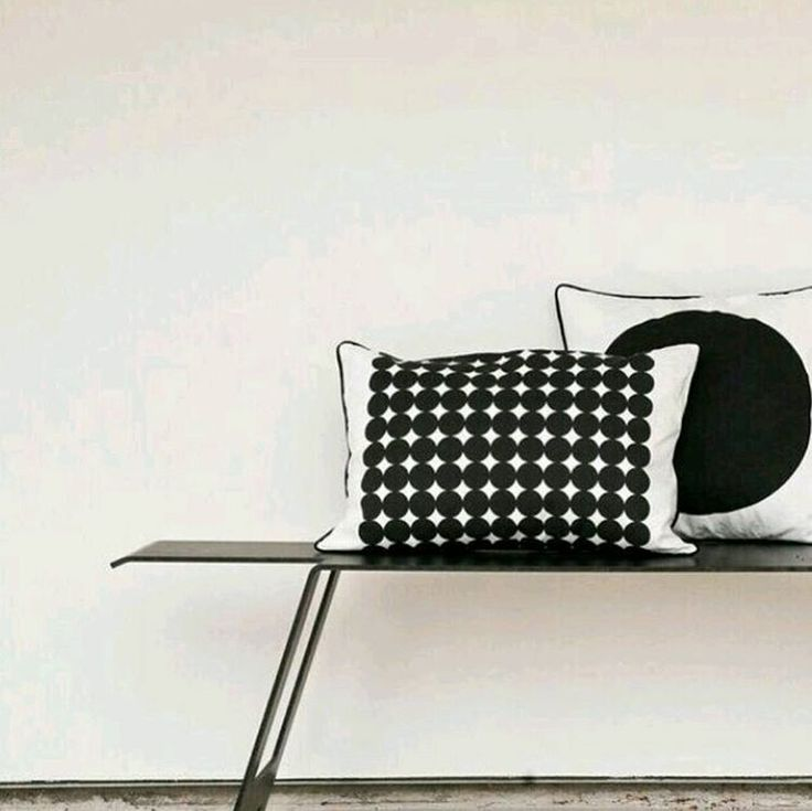 The perfect polka dot. Hand printed oversized black dots on heavy cotton canvas. Love, just love! #minimal_perfection #minimalhunter #homedecor #cushion #blackandwhite #urbaani