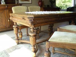 mechelse tafel + 4 bijhorende stoelen tweedehands
