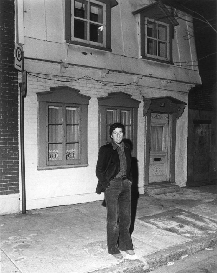 Leonard Cohen in front of his Montreal home in 1977.