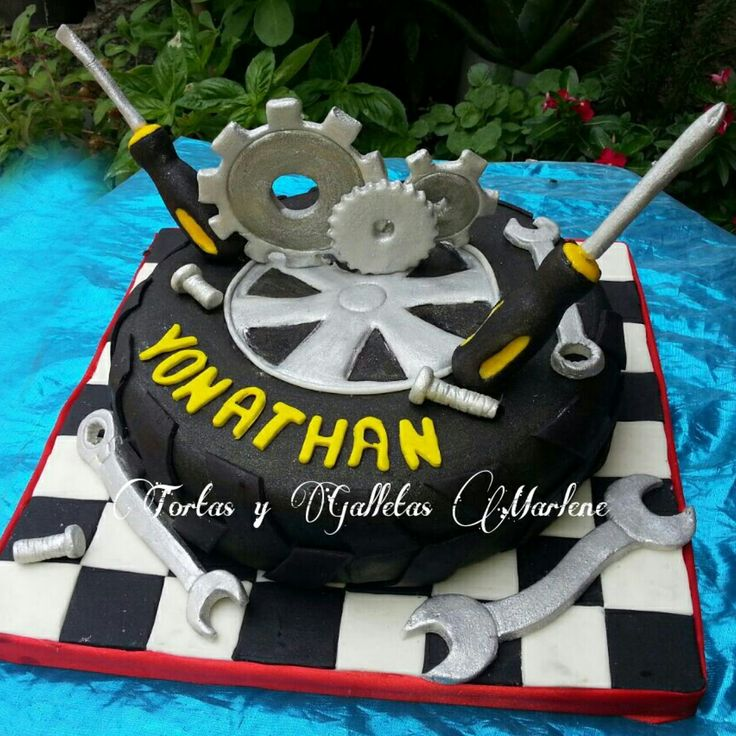 torta para ingeniero mecánico de caucho
