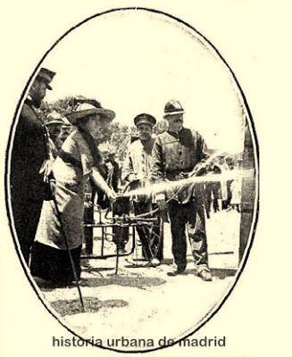 1911 Demostración extintor de incendios Kustos.