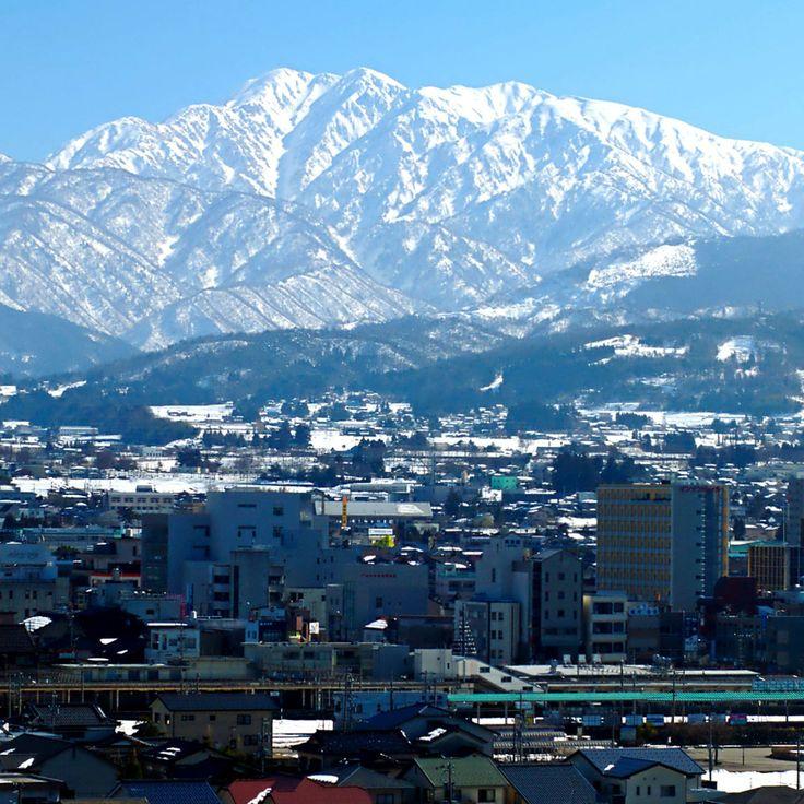 Tateyama-mountains-魚津市-富山県-日本