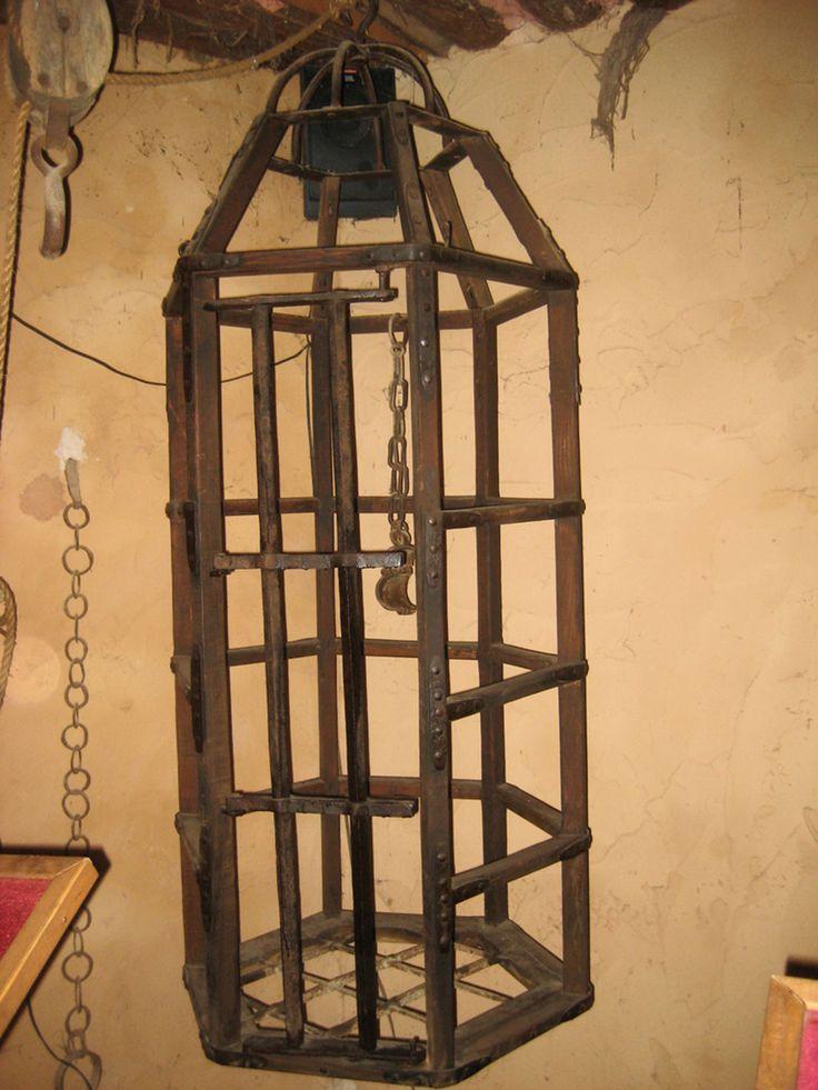 La Cage 15 méthodes de torture médiévales aussi morbides que tordues | SooCurious