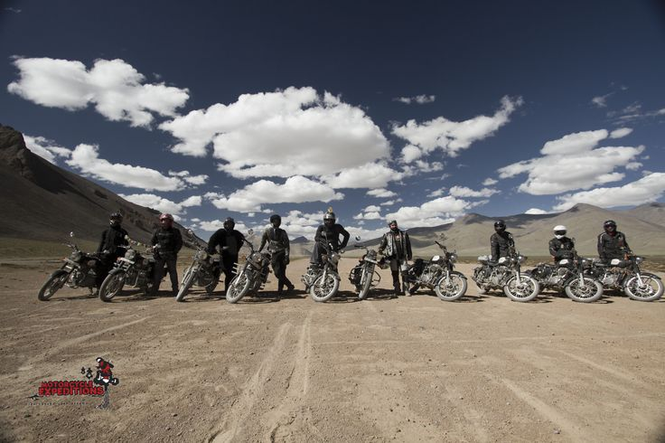 2014, a crew from Australia came to ride with us. We did an amazing drag race at the elevation of 4,500meters on the Morey plains, a  45 kms flat patch. Riders lining up for the race.