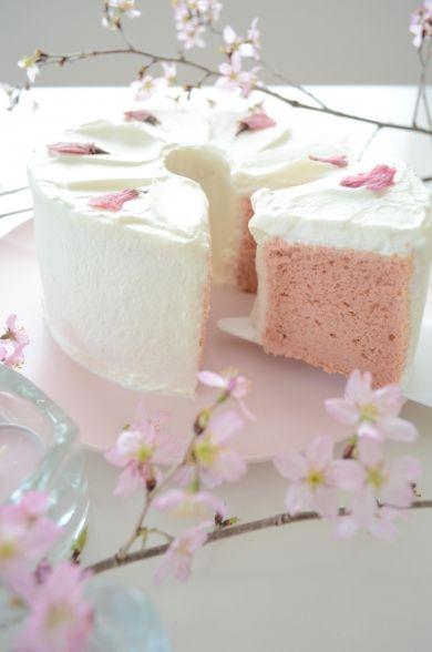 「桜のシフォンケーキ」Mari | お菓子・パンのレシピや作り方【corecle*コレクル】