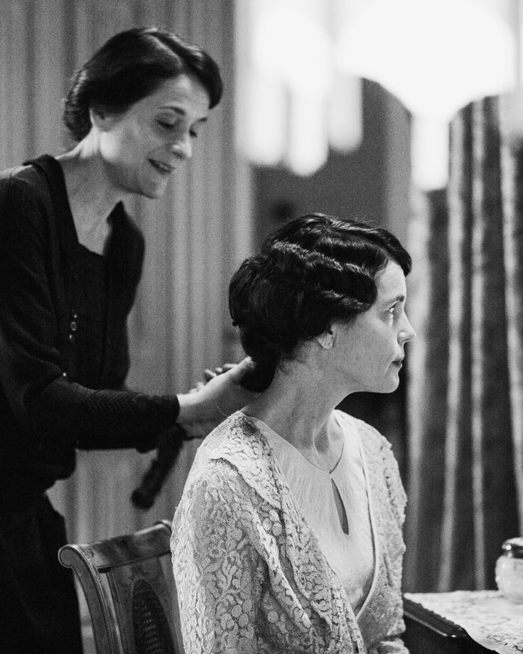 "miriambleylock: ""Raquel Cassidy and Elizabeth McGovern in Downton Abbey, 2015. """