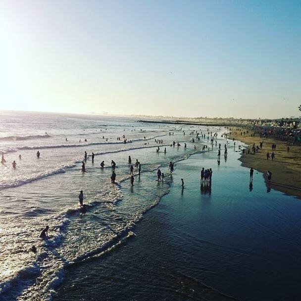 Reposting @viajan2: 8pm en Newport Beach, una de las playas más reconocidas en el condado de Orange, California. #AlquilerDeApartamentoSantaMarta, #AlquilerDeFincasEnMelgar, #AlquilerDeFincasEnGirardot, #AlquilerDeFincasEnCalima, #fincasdeturismo, #AlquilerDeFincas, #PaquetesTuristicos