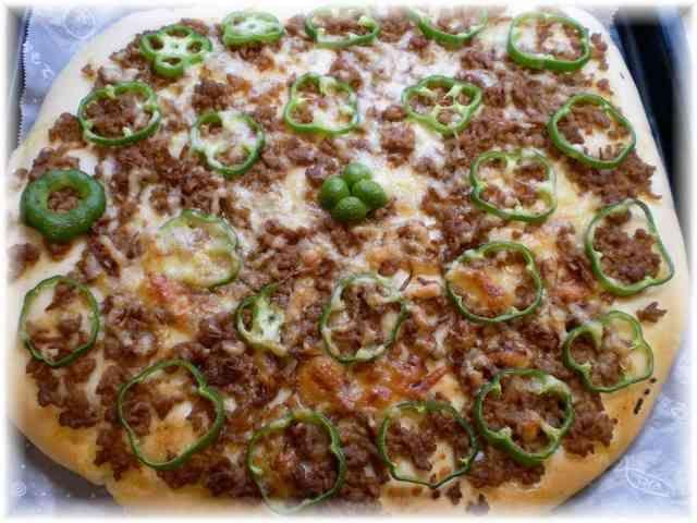 ピザのトッピング♪挽肉とピーマン♫♬の画像