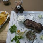 Karl-May-Teller, Rindersteak, Pfeffersauce, Sour Cream, Kartoffelwedges, Restaurant, Ihlsee, Rezension, Bad Segeberg