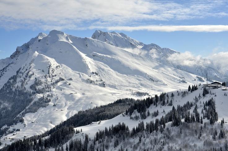 Beauregard plateau and Etale mountain in background