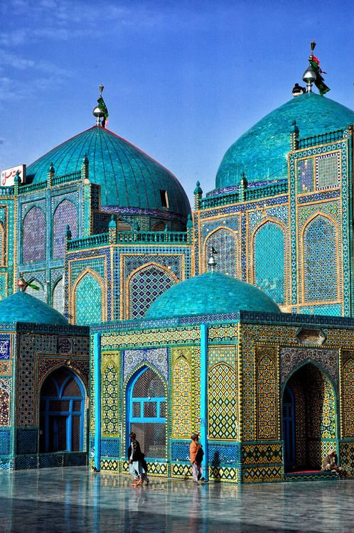 Beautiful mosque in the City of Mazar-e-Sharif, Afghanistan http://www.pinterest.com/bahbih/ornament/