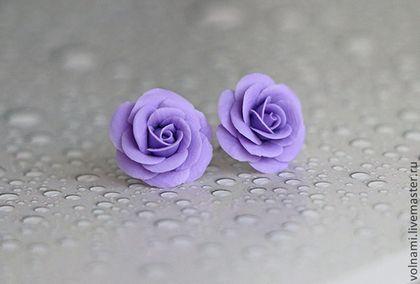 Купить или заказать 'Розы' серьги-гвоздики в интернет-магазине на Ярмарке Мастеров. серьги гвоздики розы, цветы из полимерной глины…