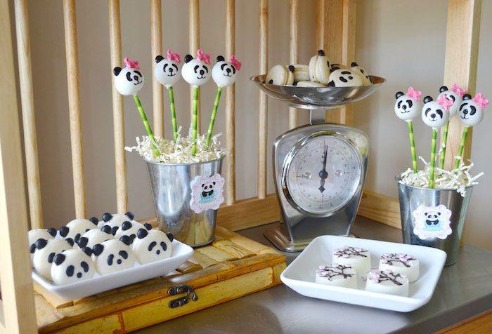 Macarons e cakepops da festa do panda